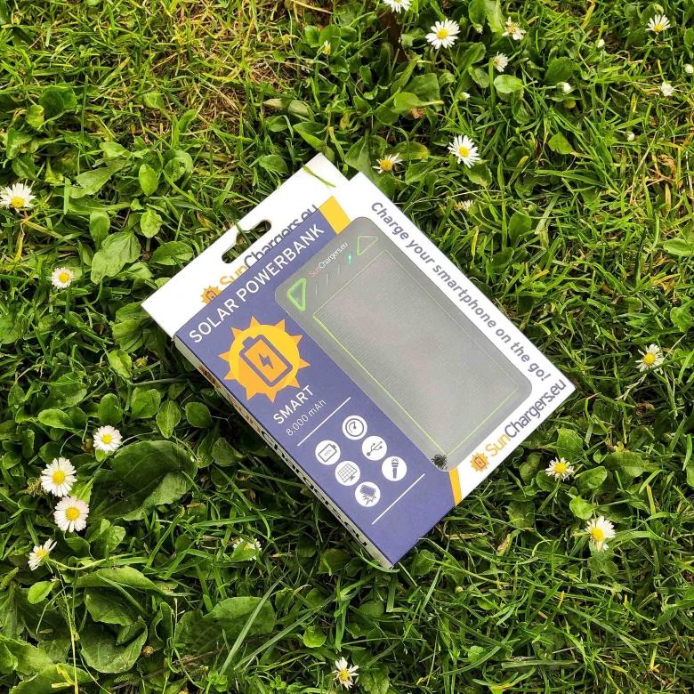 Suncharger Smart 8000 mah solar powerbank 1