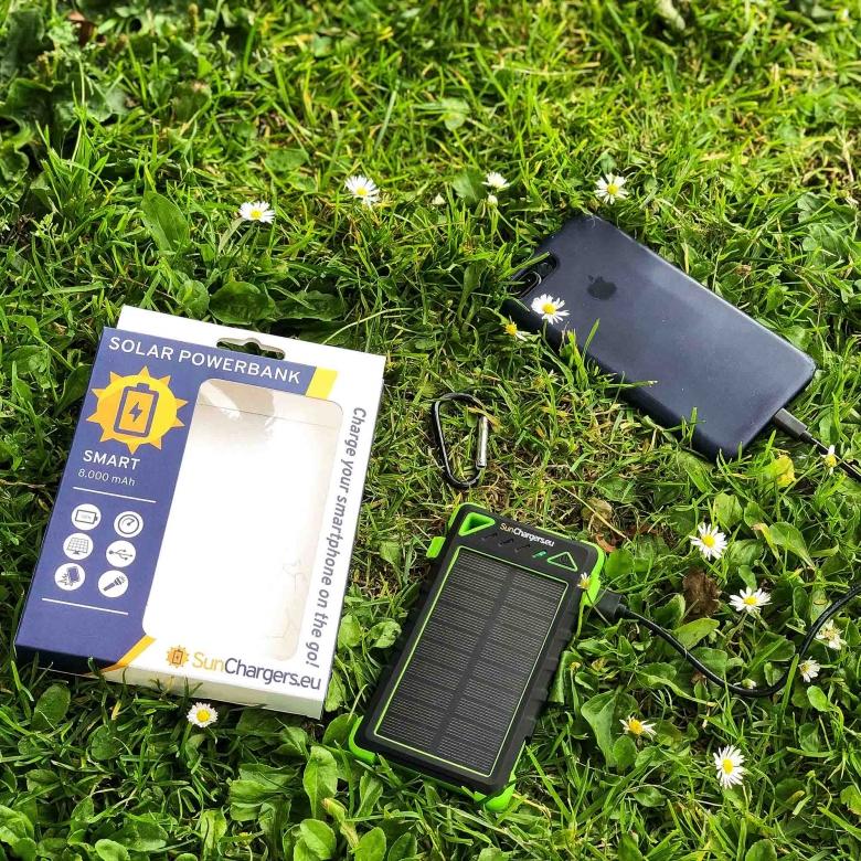 Suncharger Smart 8000 mah solar powerbank 3