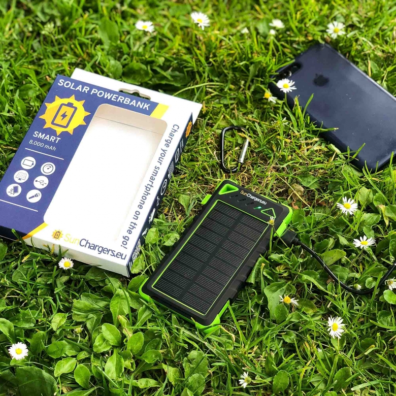 Suncharger Smart 8000 mah solar powerbank 4