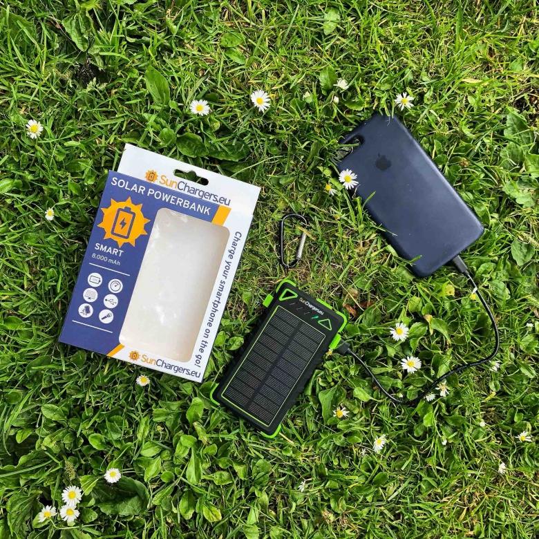 Suncharger Smart 8000 mah solar powerbank 5