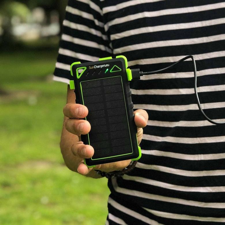 Suncharger Smart 8000 mah solar powerbank 6