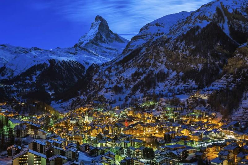 Zermatt Valley and Matterhorn Peak   SunChargers