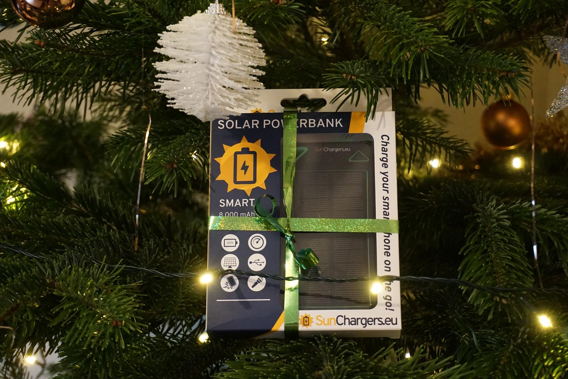 relatiegeschenk kerstpakket solar powerbank. Black Bedroom Furniture Sets. Home Design Ideas